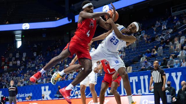 UR men's basketball beats Kentucky