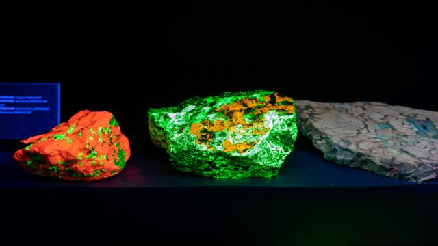 glowing rocks