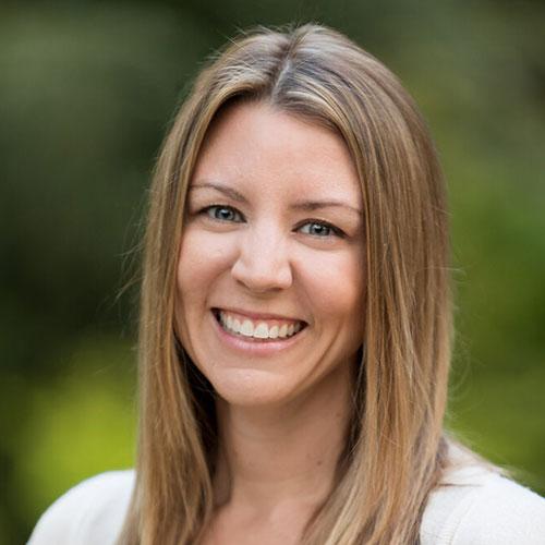 Amanda Bolton headshot