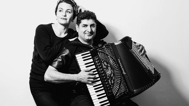 Global Music: Eva & Peter